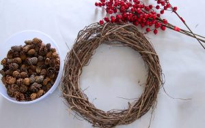 Christmas Pinecone Wreath