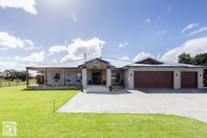 luxury country home near Perth built by IQ Construction